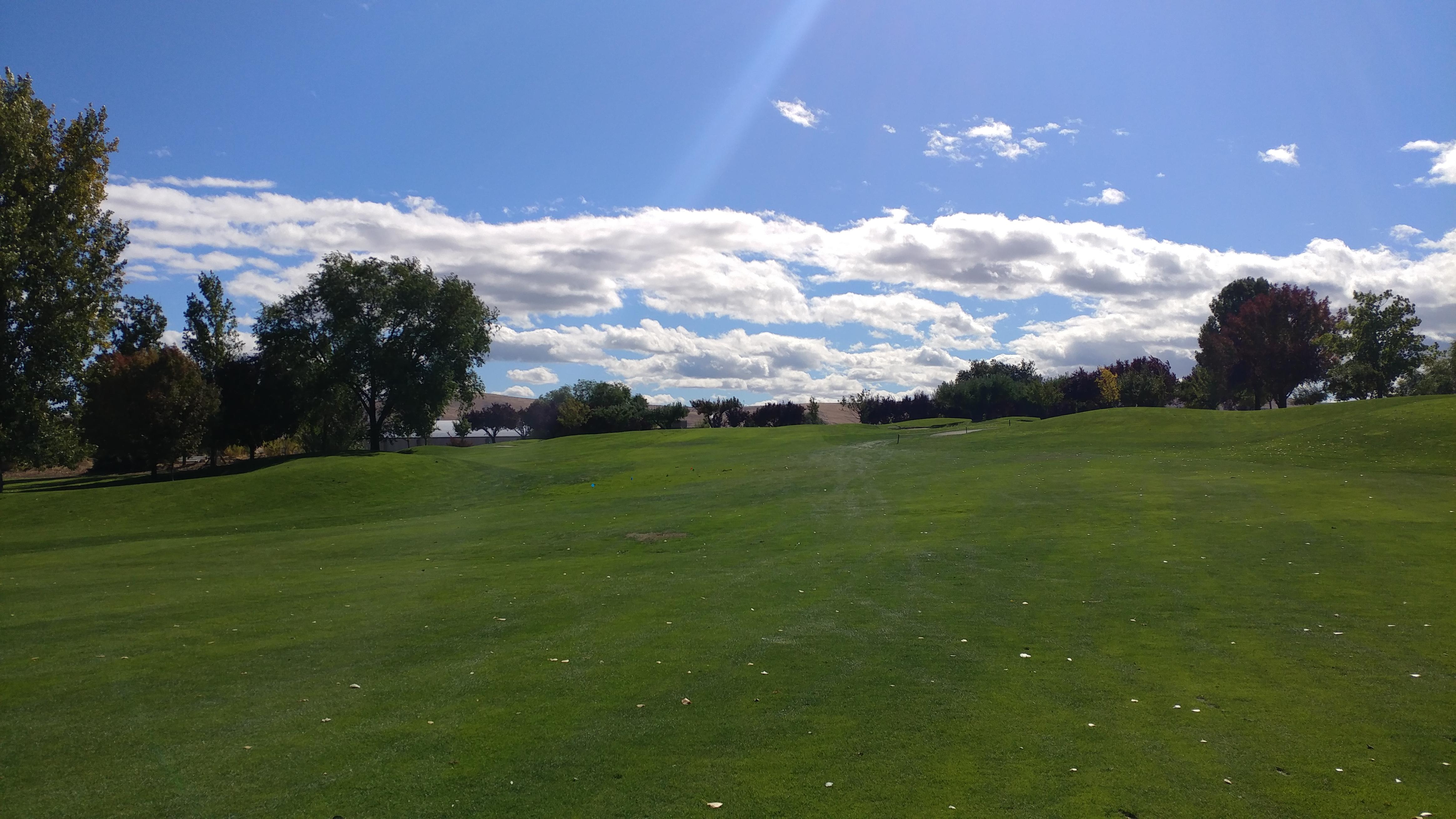 Apple Tree Golf Course Hole #1 - Approach - Saturday, September 30, 2017  (Yakima Trip)